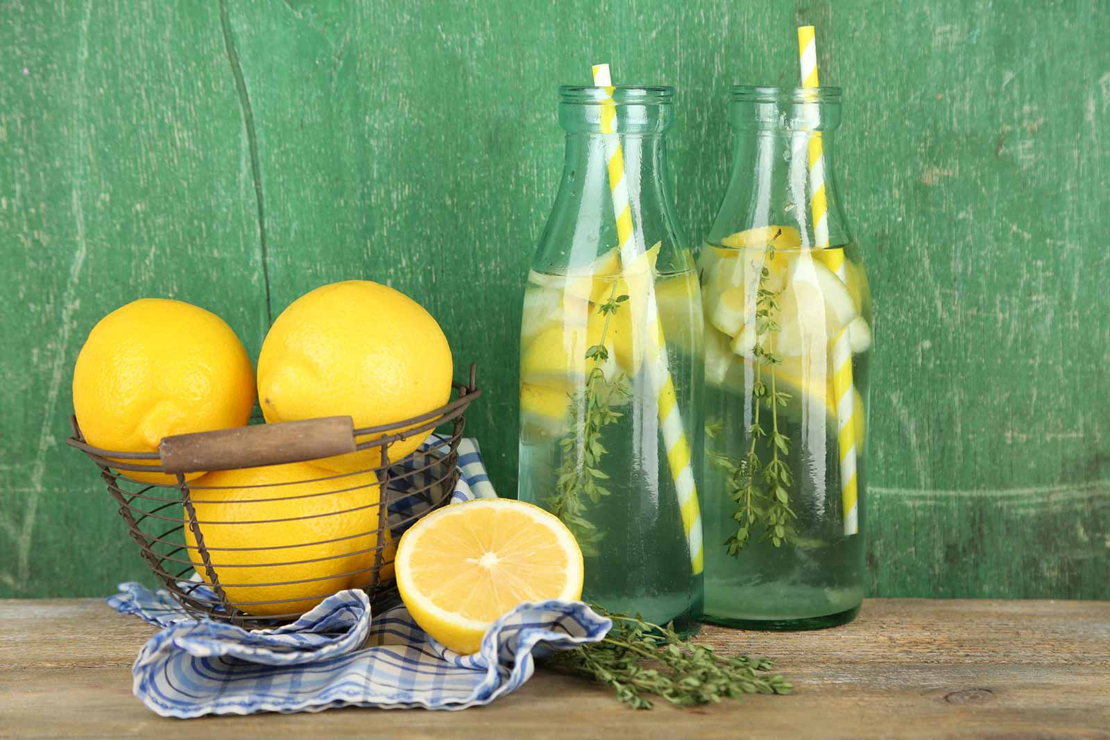 Kaalualandav detox vesi