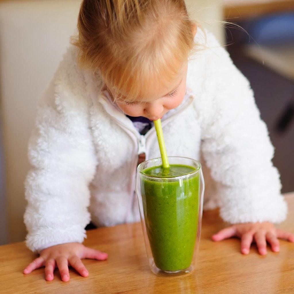 Roheline smuuti lapsele